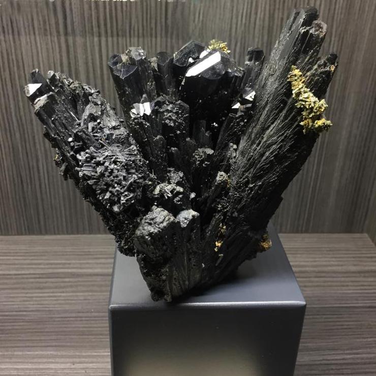 ILVAITE grande gruppo di cristalli - SANTA FILOMENA/RIO MARINA